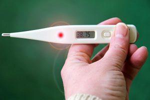 איך למדוד חום? כל הדרכים למבוגרים וילדים